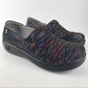 Alegria Keli Free Form Leather Embossed Rainbow Slip-Resistant Comfort Clogs 38
